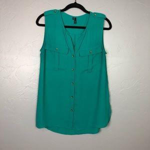 Maurice's sleeveless blouse size M